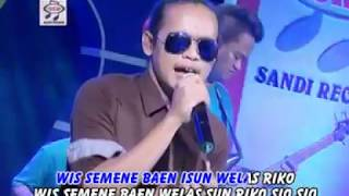 Top Hits -  Demy Sandiworo Official Music Video