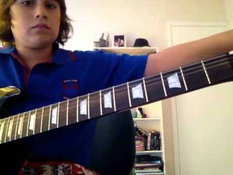 Cody tunes a guitar in under 30 seconds