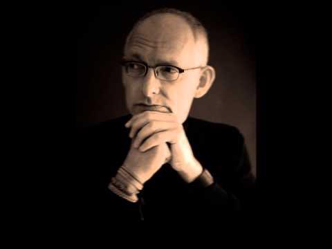 "Lars Hägglund plays ""Blue Moon"" - (Rodgers/Hart)"