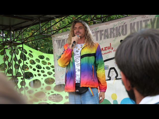 Steiner Kristóf beszéde az első Pécs Pride felvonulás végén | Jövő TV