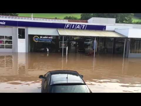 Überschwemmung in der Homberger Straße in Bad Hersfeld