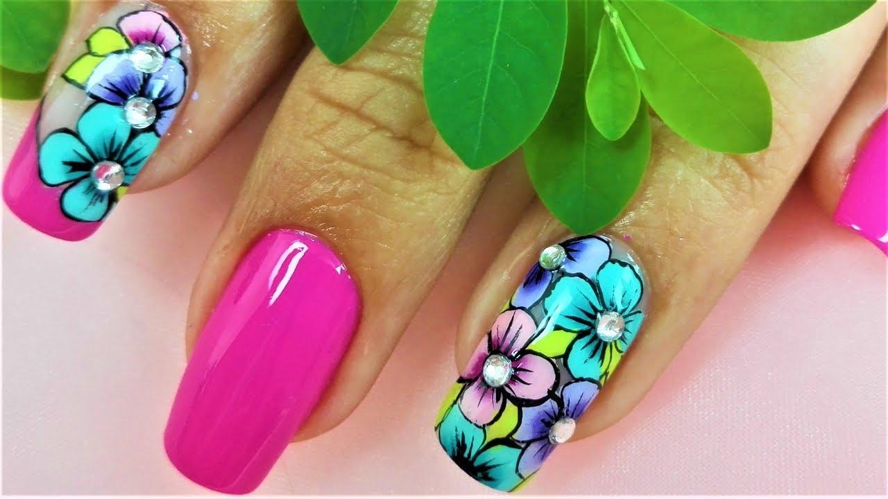 Flores básicas para uñas
