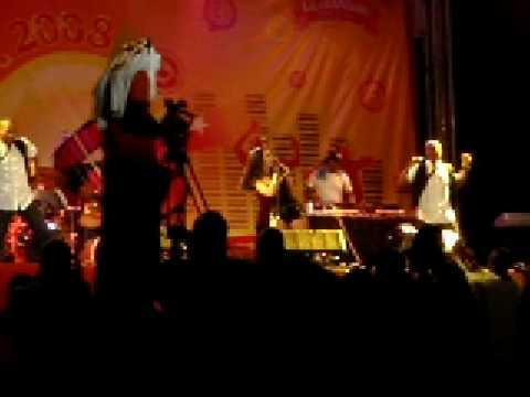 Ver Video de Kat DeLuna Kat DeLuna live in Tanzania :D