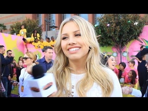Nick Star Gracie Dzienny at the Nickelodeon Kids Choice Awards