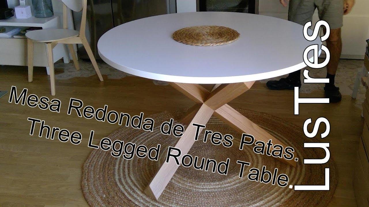 Round Table La Mesa.Three Legged Round Table