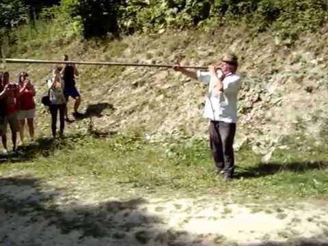 Гуцульская Трембита в Карпатах, как она играет