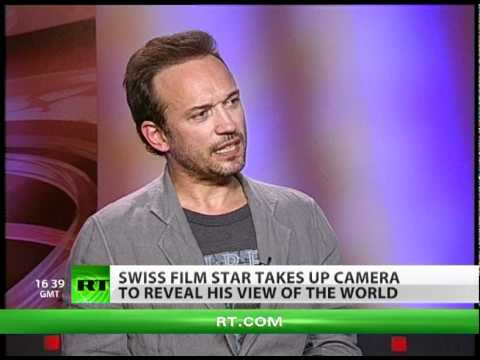 Actor Vincent Perez on a photo mission in Russia!