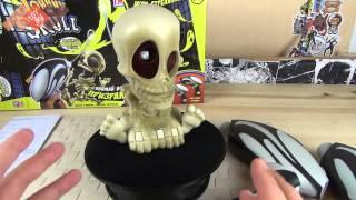Интерактивная игрушка Johnny the Skull - Проектор Джонни Череп с двумя бластерами