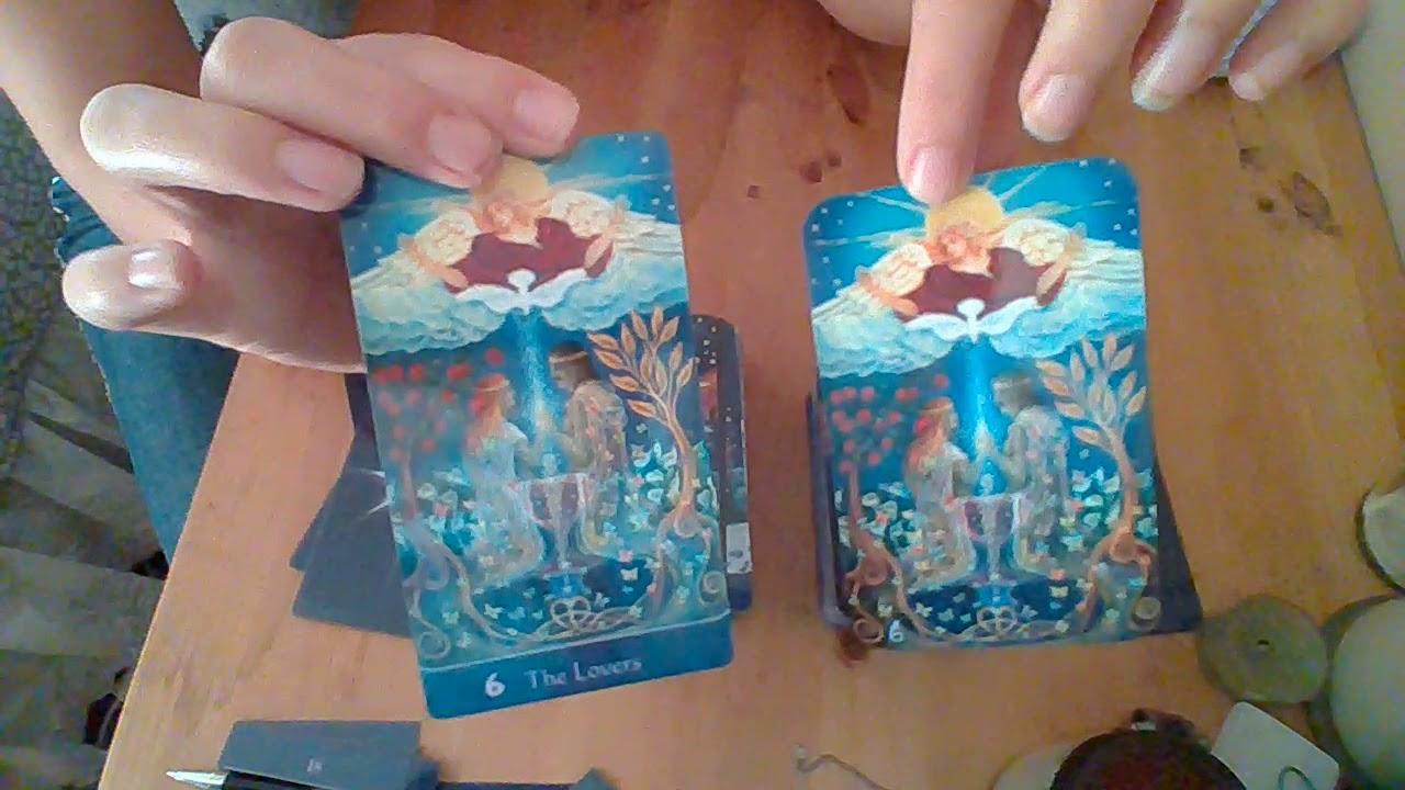 2 trimmed Star Tarot deck comparison