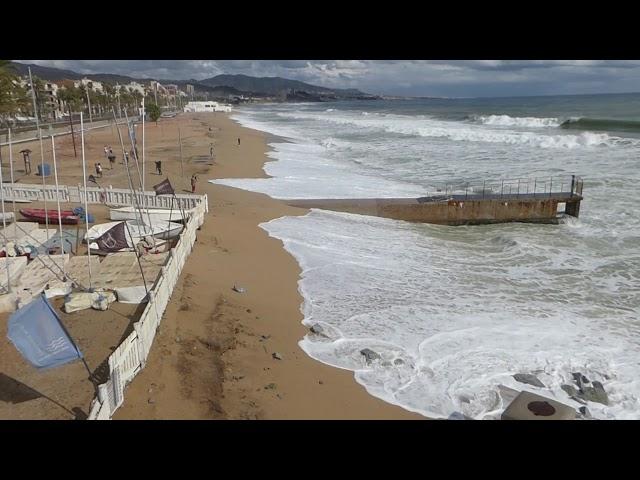 Temporal marítim notable amb vent fluix - Badalona - Octubre 2019