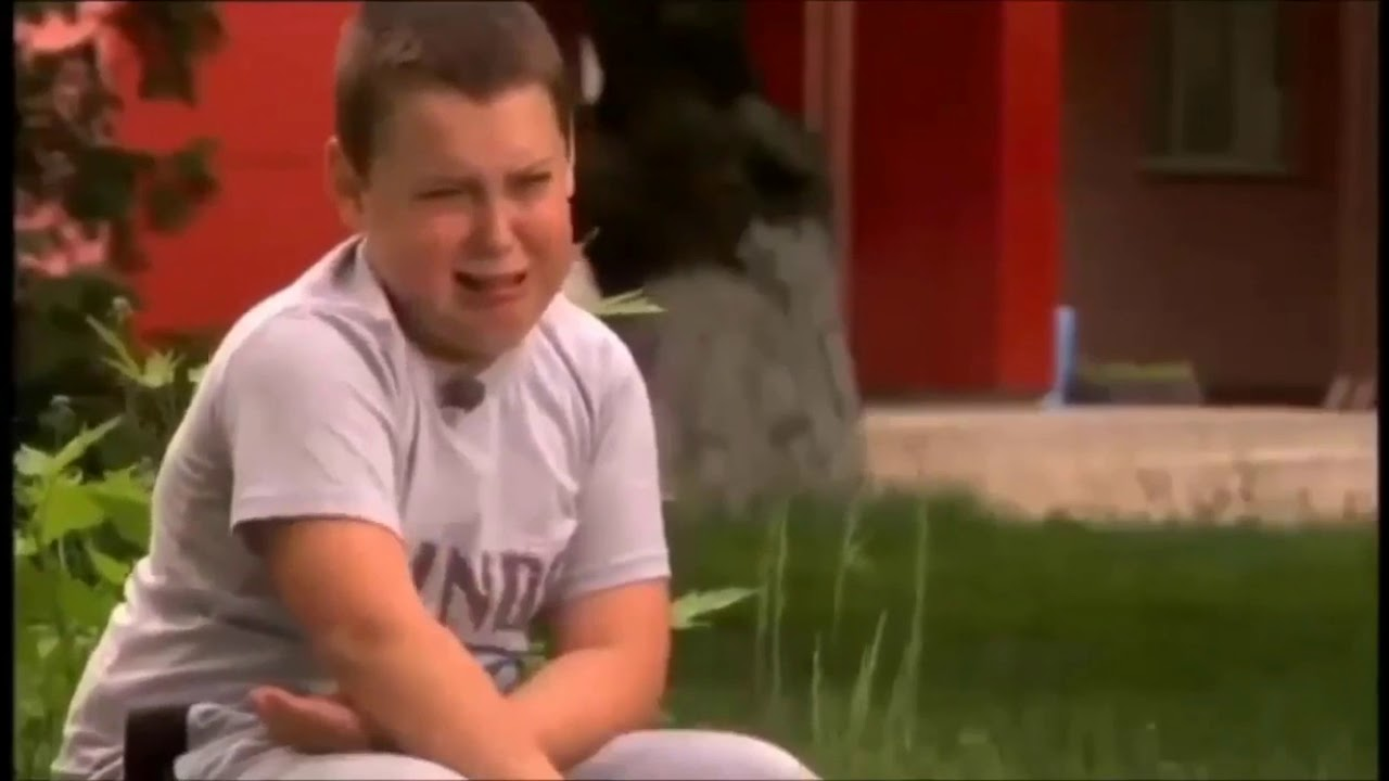 طفل مضحك يبكي بكاء مضحك بشكل كبير Youtube