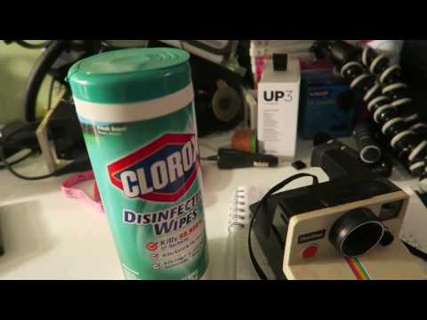 Cleaning and Testing a Polaroid Camera to Sell on Ebay | Make Money Selling Cameras