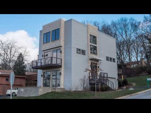 Bennett House - A Modern Home in Geneva, IL by Airhart Construction