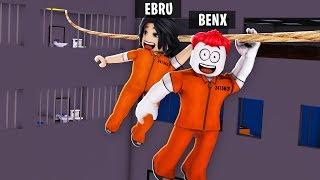 EXTREME HINDERNISLAUF IN ROBLOX PRISON 🚨