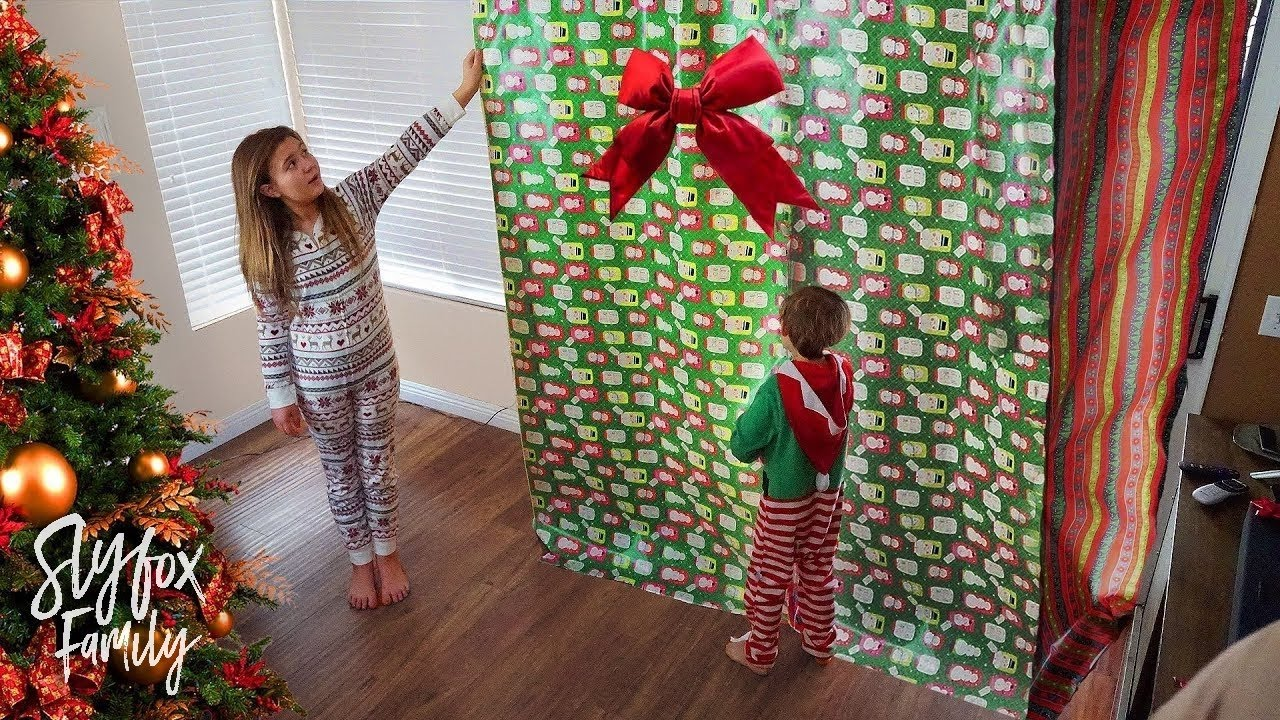 Family surprises daughter with HUGE Christmas gift ...
