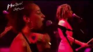 Martina Topley-Bird - Sweet & Dandy (Live Montreux 2004)