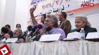 نقيب الأطباء: حاسبوا المعتدين على أطباء مستشفى المطرية (اتفرج)