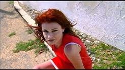 Axelle Red - Le monde tourne mal (Clip Officiel)