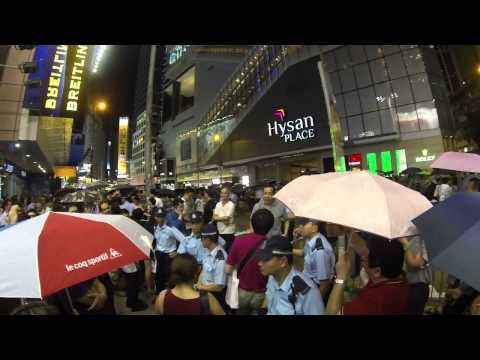 Hong Kong Causeway Bay - An argument between anti-protesters and protesters.