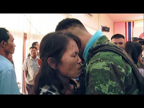 แอร์เอเชียลัดฟ้าพาแม่ กอดหัวใจกล้าแดนใต้ วันแม่แห่งชาติ2556