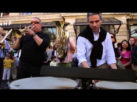 Flash Mob : Quand l'OSR surprend la place du Molard à Genève