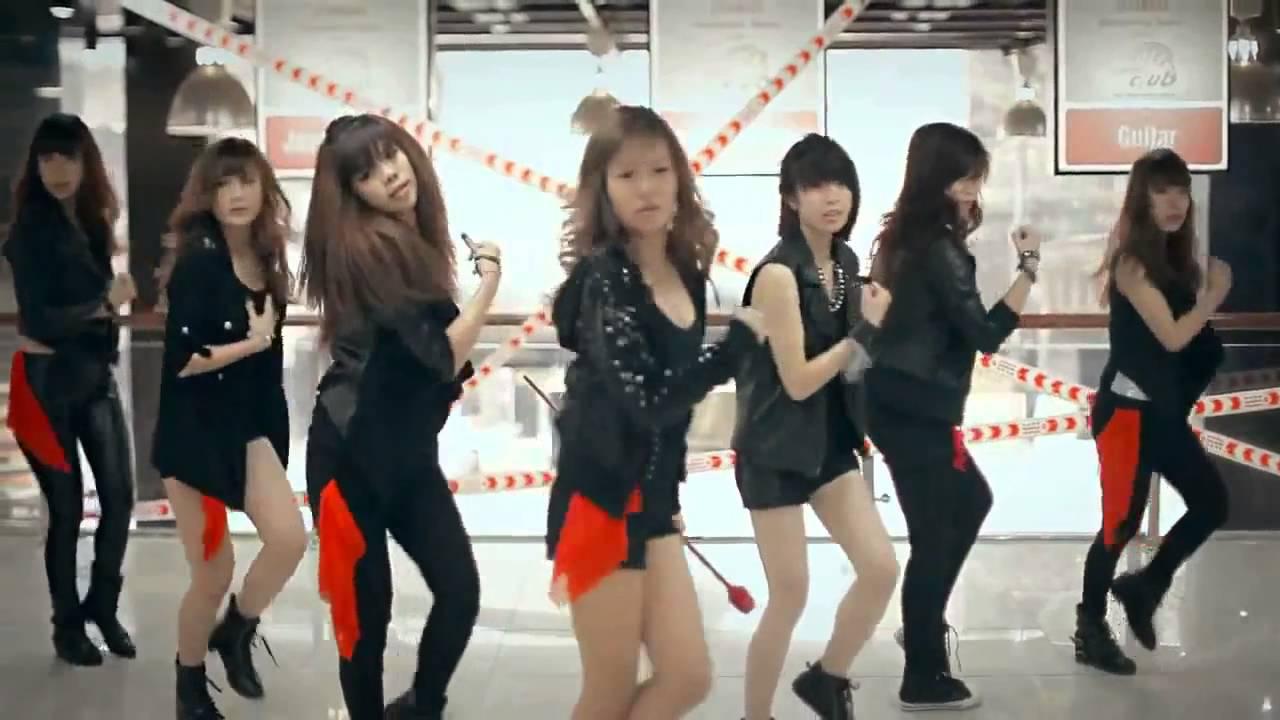 9x Việt Nam nhảy nhạc Hàn cực đẹp Cry Cry T Ara Dance Cover by St 319 from  Vietnam