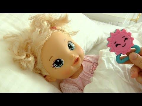КУКЛА ЛЮСЯ ОДЕВАЕТСЯ  Наше утро  Мультик с Куклами Игрушки Для девочек
