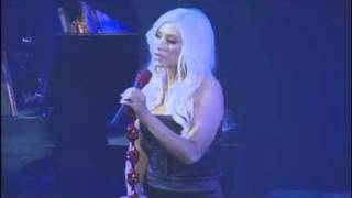 Christina Aguilera performs IMAGINE as tribute to John Lennon's 70 birthday.
