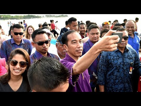 Jokowi's latest vlog showcases crowded Kuta Beach