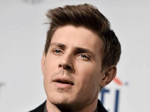 Chris Lowell Has Found His Lane