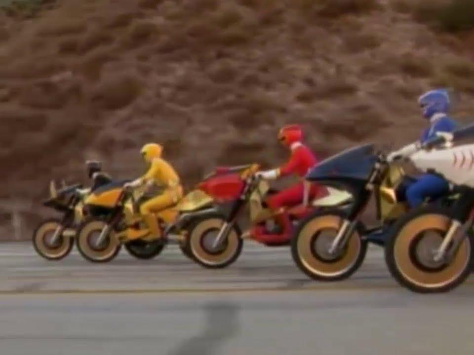 Power ranger fuerza salvage los rangers consiguen los nuevos savage cycles youtube - Moto power rangers megaforce ...