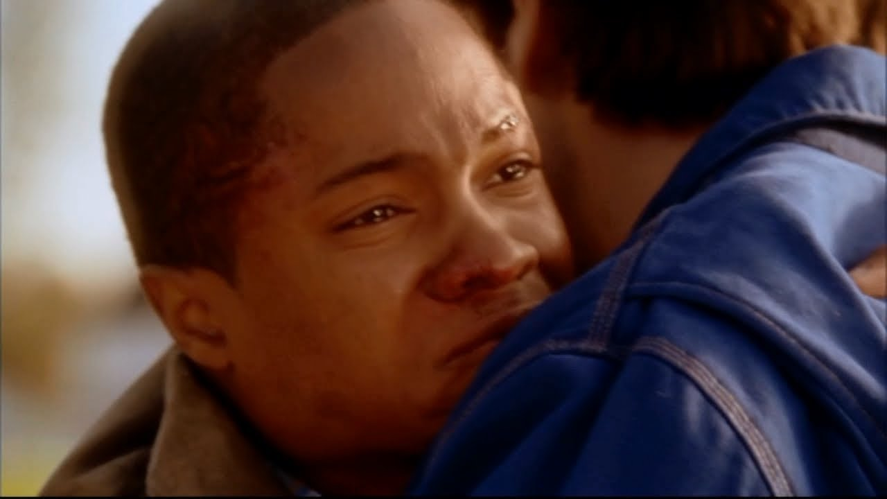 Download Pete Says Goodbye to Clark -- (Smallville - S3; E9/21)