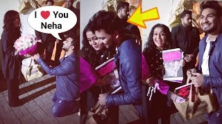 Neha Kakkar Fan PROPOSES Her On Valentine