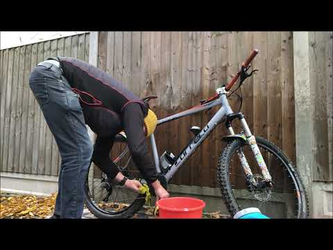 How to wash your e-bike (ebike cleaning, ebike wash, Carrera Vulcan E-Spec wash)
