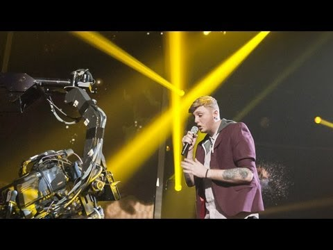 James Arthur sings Kelly Clarkson's...