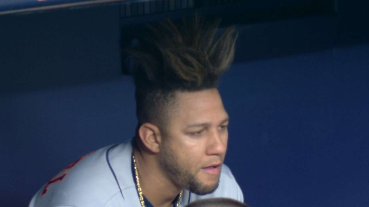Yanks Broadcast Discuss Gurriels Wild Hair Youtube