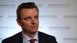 How can doctors discuss CLL treatment options with patients?