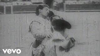 Смотреть клип Vanessa Paradis - Manolo Manolette