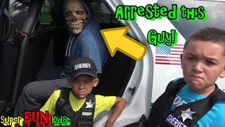 ARRESTING ALIEN THIEF....YOU WON'T BELIEVE WHAT HAPPENS NEXT!