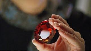 """【穷电影】女子得到颗红宝石,意外唤醒里面的""""神仙"""",但付出的代价有点大"""