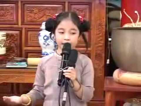 """Kể chuyện """"Bông hoa cúc trắng"""" bé Hồng Minh 6 tuổi"""