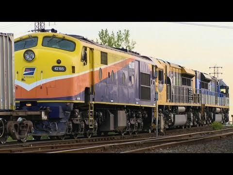 Freight Train with LDP's & 42105 - QRNational Trains in Melbourne Australia - PoathTV