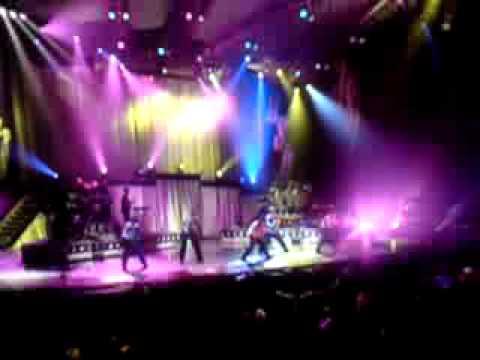 BACKSTREET BOYS LIVE IN ORLANDO HEY MR. DJ....