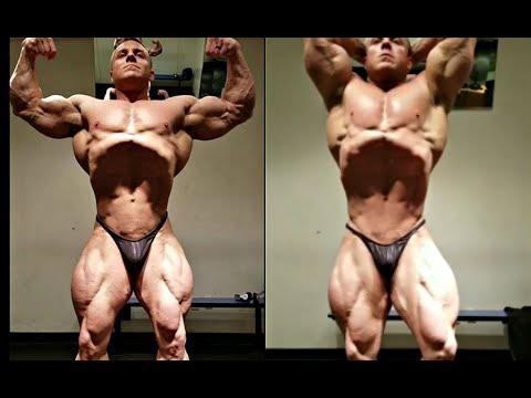 The Best Current IFBB Pro Vacuum Pose