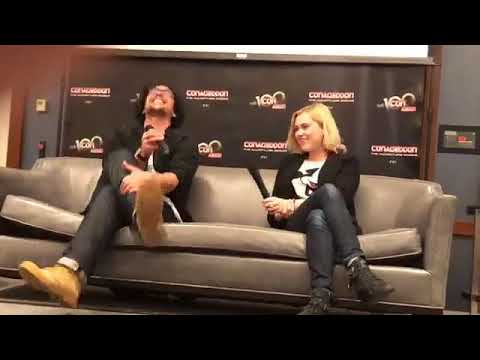 Bob Morley and Eliza Taylors panel at Conageddon  The 100