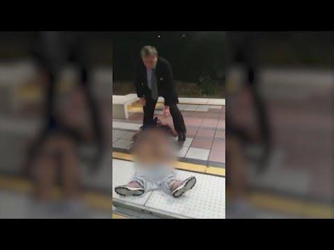 VIDEO:Metro passenger drags man suffering seizures off train in Long Beach