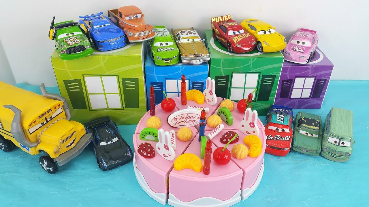 Lightning McQueen Cruz Ramirez Miss Fritter Cars 3 Crew Decorate A Birthday Cake