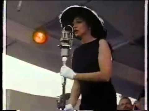 assistir filme os condenados dublado online dating: newport jazz festival 1958 anita oday dating