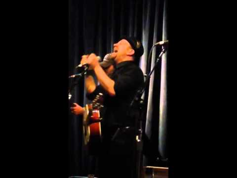 Trailer Hitch/This Is How We Do Mash Up-Kristian Bush live at Eddie's Attic