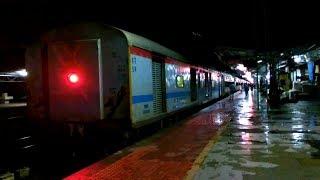 Mangalore - Kochuveli Antyodaya Express arriving Ernakulam Junction